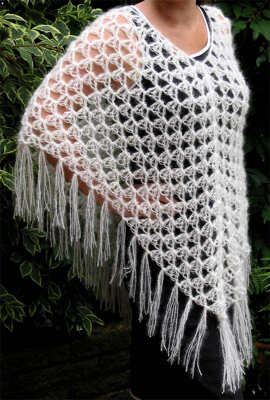 Crochet Patterns For Ponchos : BABY CROCHETED PATTERN PONCHO ? CROCHET FREE PATTERNS